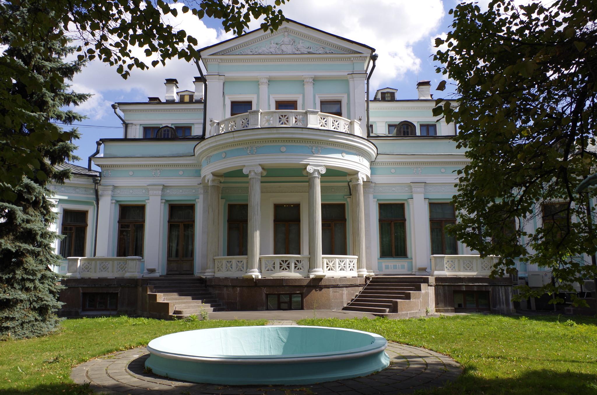 Особняк К.С. Попова (М.К. Морозовой) на Смоленском бульваре