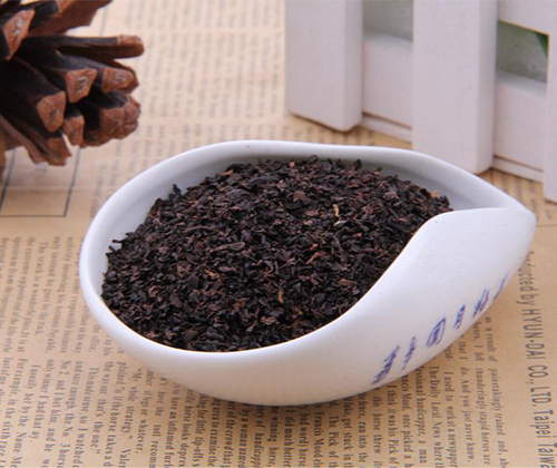 Фото красного (чёрного) резаного листового чая